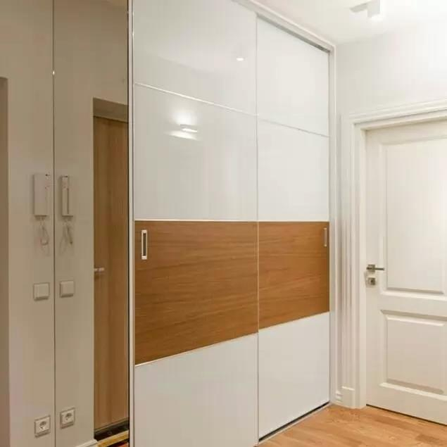 Wardrobe with Deco and mirror