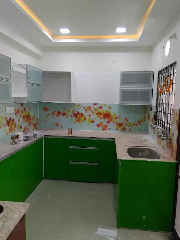 Green and white kitchen #duko#