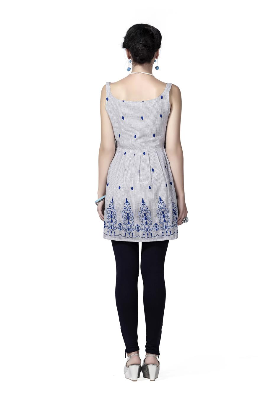 Innovative presents Embroidery Sleevless Tunic Made from cotton Voile with inner