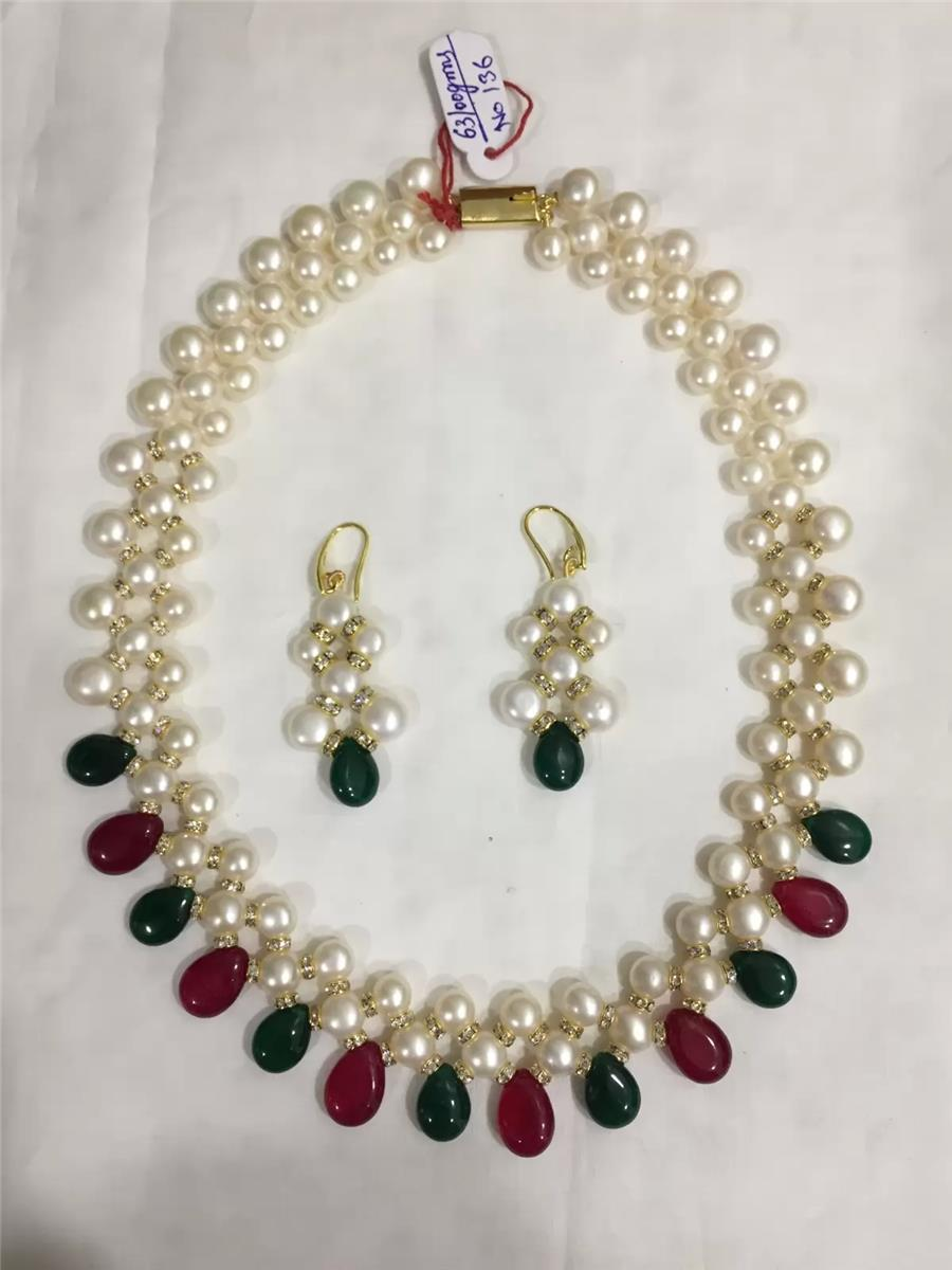 Pearl Necklace 035