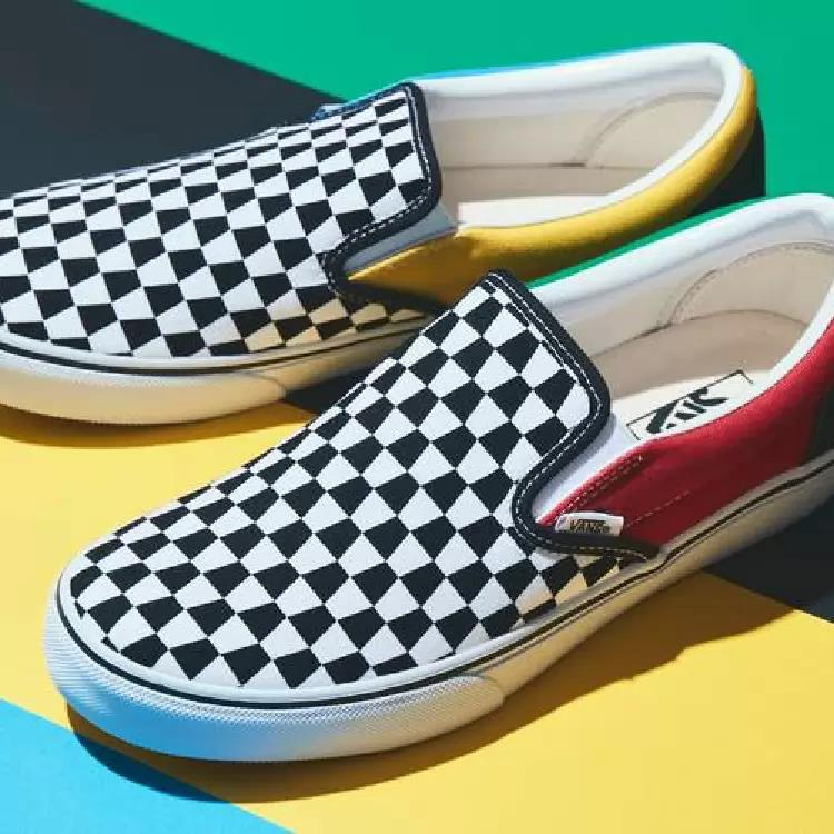"""Vans Alters its Signature Checkerboard Pattern for New Slip-On """"Trapezoid"""
